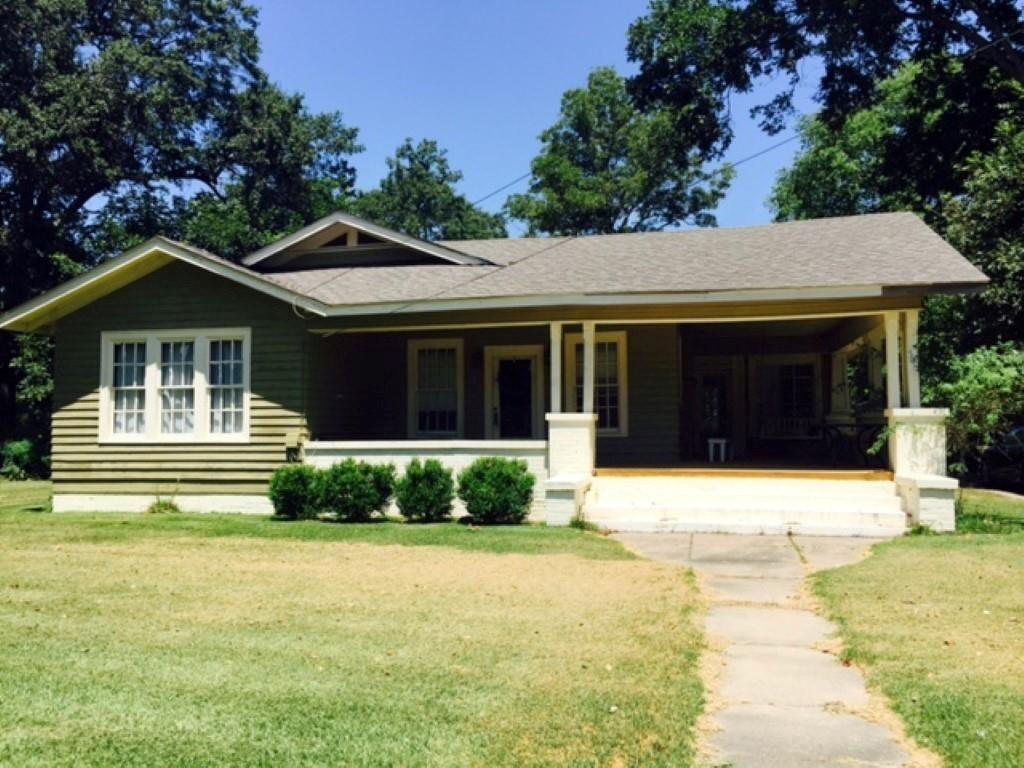 500 W MAIN STREET, Oak Grove, LA 71263
