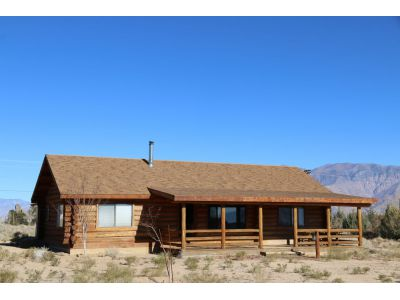807 Indian Springs Dr, Lone Pine, CA 93545