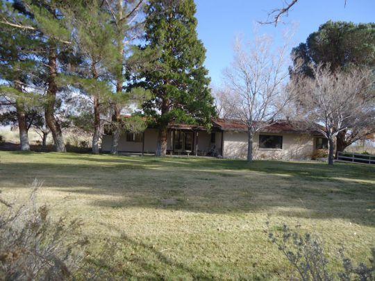 851 Shahar Ave, Lone Pine, CA 93545