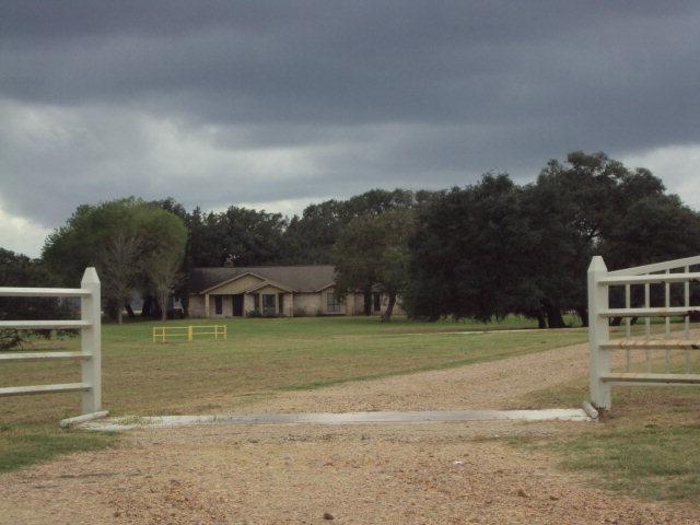959 Dobskyville Road, Yorktown, TX 78164
