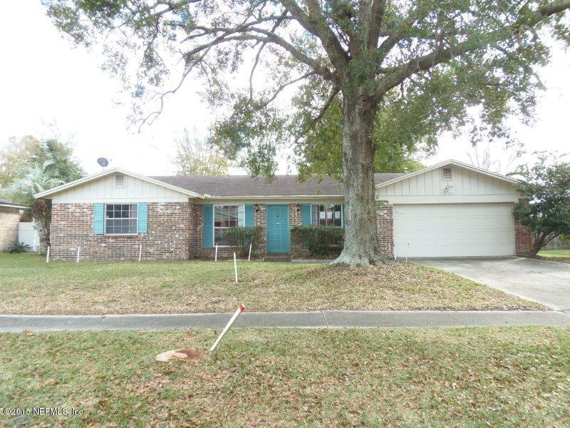 1735  Village Ln, Orange Park, FL 32073