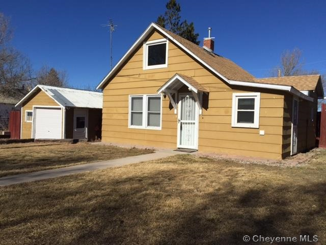 210  2nd Ave, Albin, WY 82050