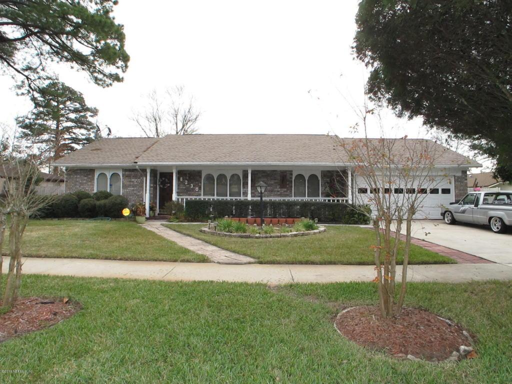8230  Spring Lake Ct, Jacksonville, FL 32210
