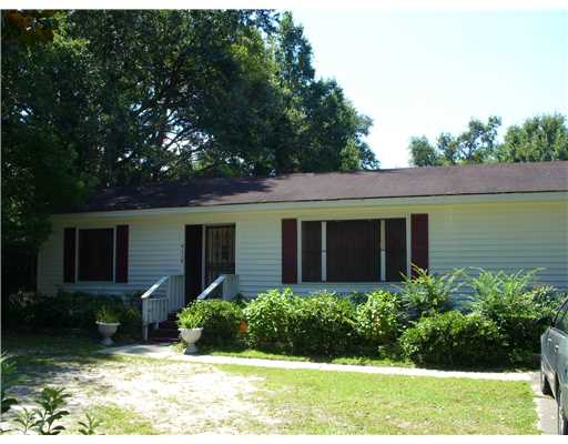 4118  Del Rosa Ave, Moss Point, MS 39563