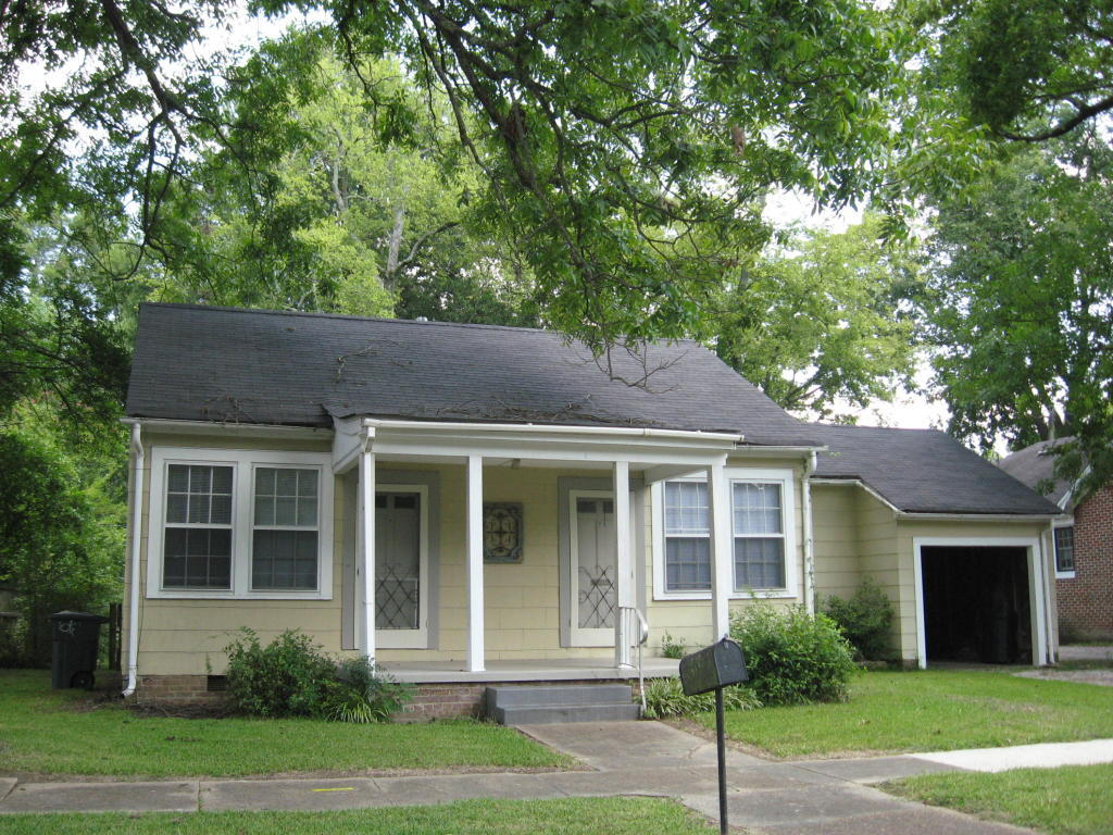 220 10th Street North, Columbus, MS 39701