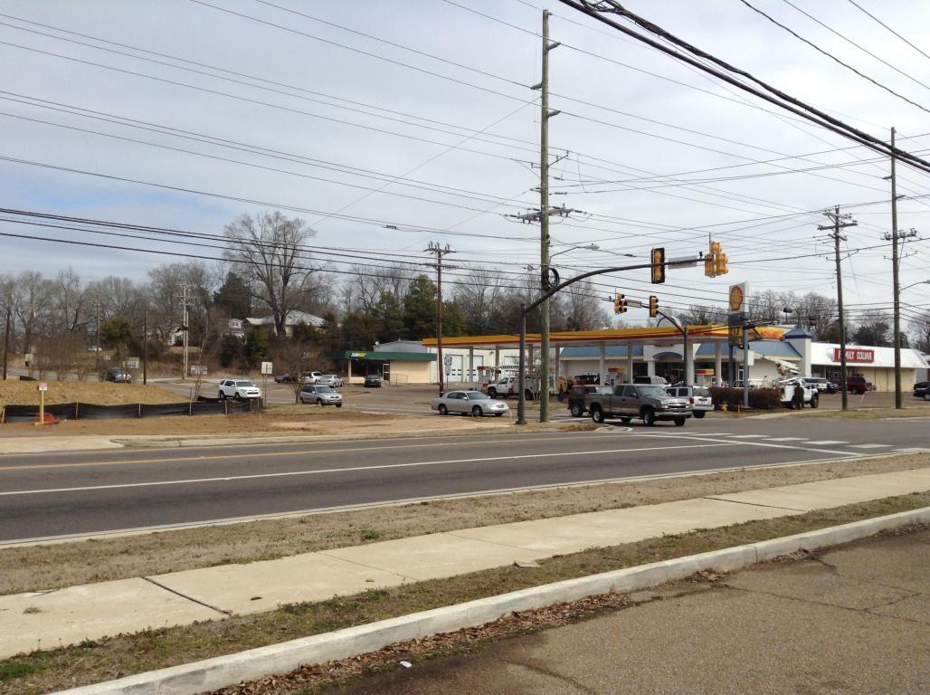 Corner Hwy 182 & N Jackson, Starkville, MS 39759