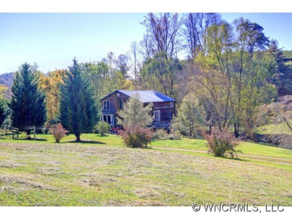 415 Bluebird Ln, Marshall, NC 28753