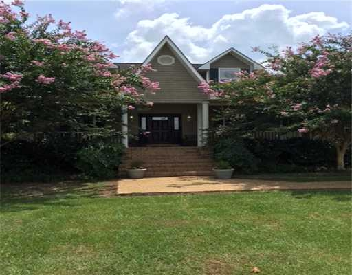 8700  Myrtlewood Dr, Moss Point, MS 39562