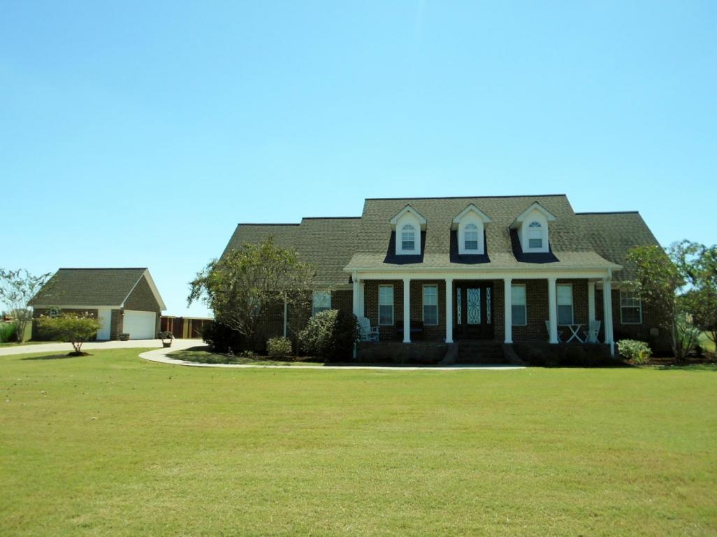 5299 OLD WEST POINT RD, Columbus, MS 39701