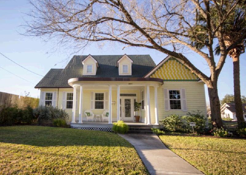 407 W Goodwin, Victoria, TX 77901