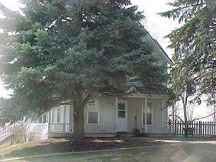 80 W 2nd St, Riverside, IA 52327