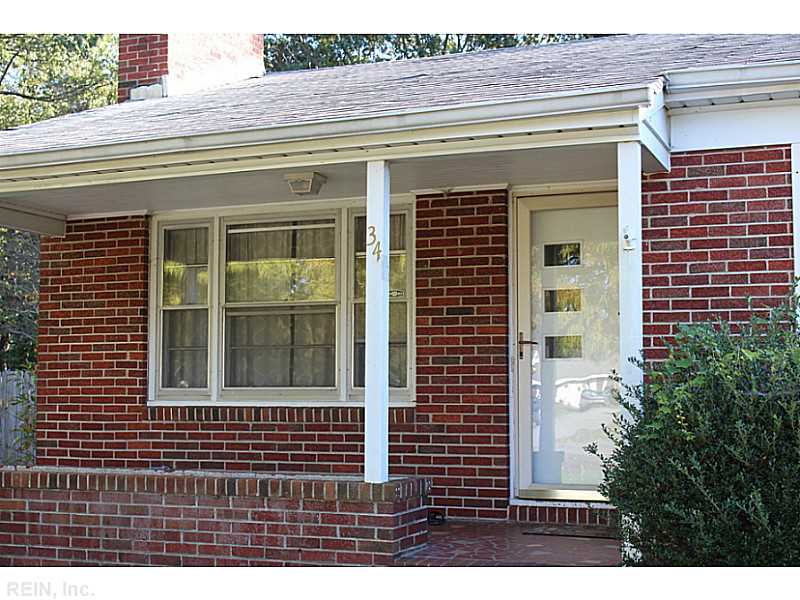 34 Middlesex Rd, Newport News, VA 23606