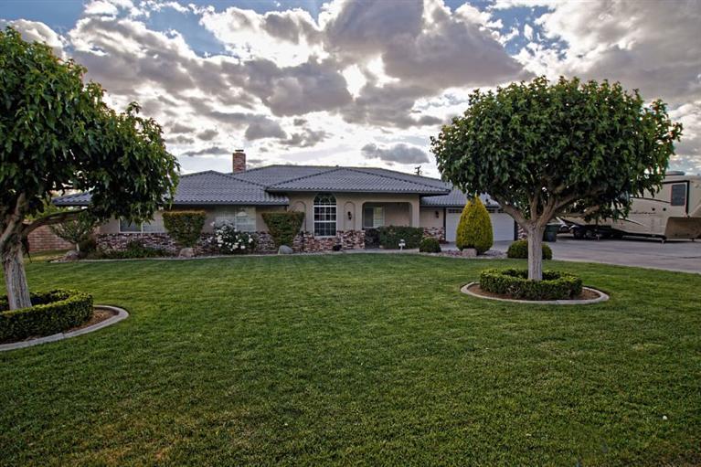 13120  Olathe Rd, Apple Valley, CA 92308