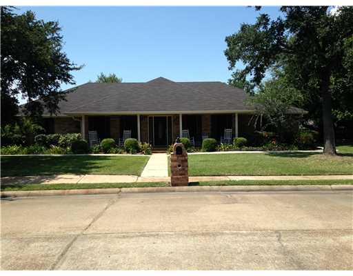 1201  Gallery St, Pascagoula, MS 39567