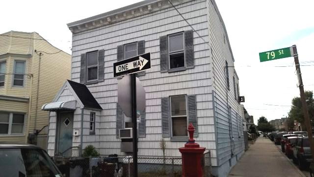 67-28 79 St, Middle Village, NY 11379
