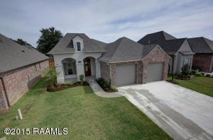 301 Channel Dr, Broussard, LA 70518