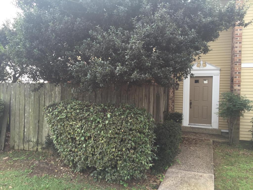200 Lodge, Lafayette, Louisiana 70506
