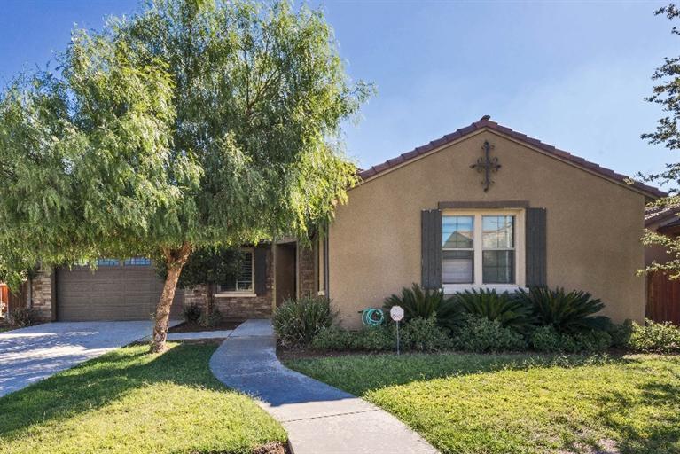 4452 N Bain Ave, Fresno, CA 93722