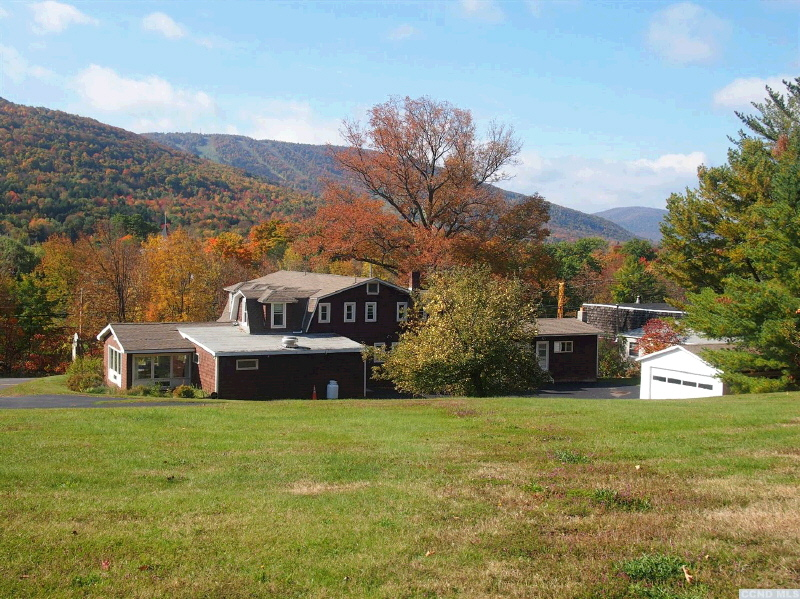 5088 Route 23, Windham, NY 12496