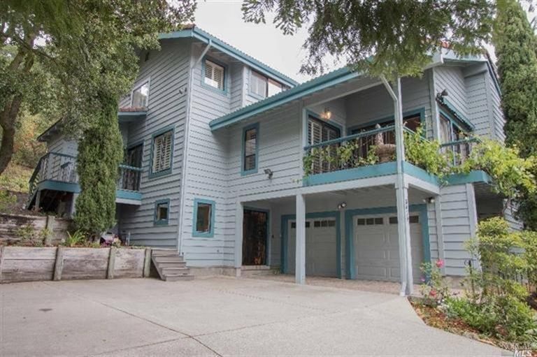 5419 Heavenly Ridge Ln, Richmond, CA 94803