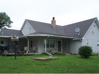 20545 Lowemont Rd, Easton, KS 66020