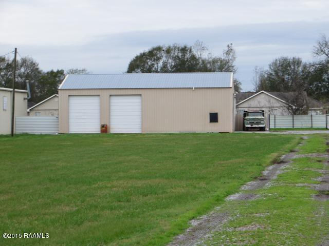 423 Mills Ave, Breaux Bridge, LA 70517