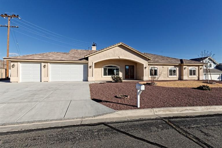 36771  Silver Spur Dr, Barstow, CA 92311