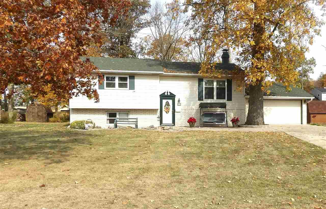 411 Lone Oak Dr, Farmland, IN 47340