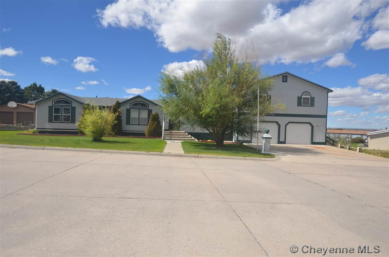 914  Stephens Ave, Pine Bluffs, WY 82082