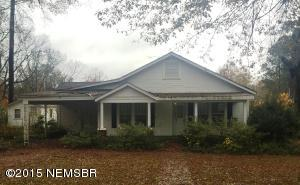 82 Church St, Ecru, MS 38841