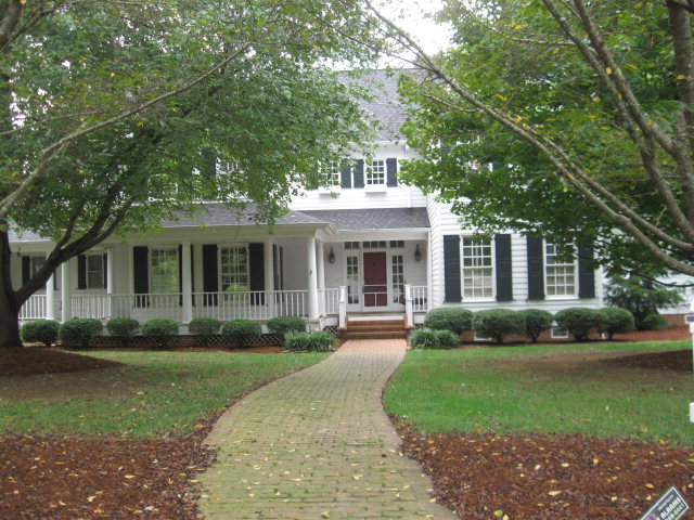 1805 Greenbush Pl, Dalton, GA 30720