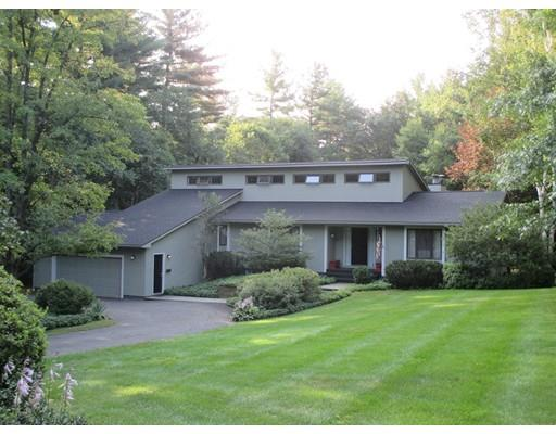 6  Pocumtuck Dr, Deerfield, MA 01373