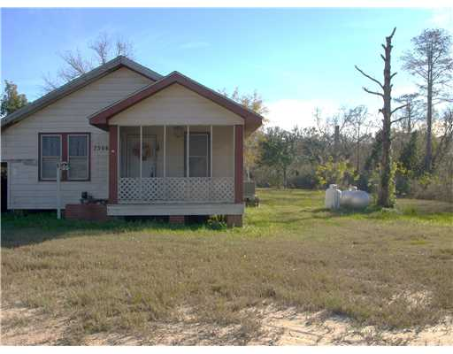 7306  Grierson St, Moss Point, MS 39563