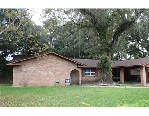 3845  Riverpine Dr, Moss Point, MS 39563