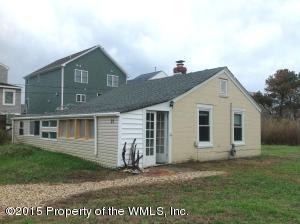 21 Constant Rd, Hampton, VA 23664