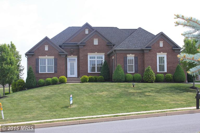39 SUNBURST DR, Greencastle, PA 17225