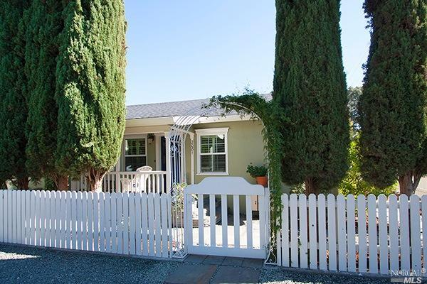 2081 Starkey Ave, Yountville, CA 94599