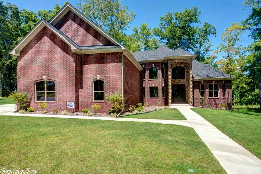 204 Lake Valley Dr, Maumelle, AR 72113