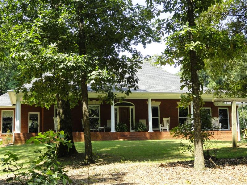 320 School House Rd, Calhoun, GA 30701