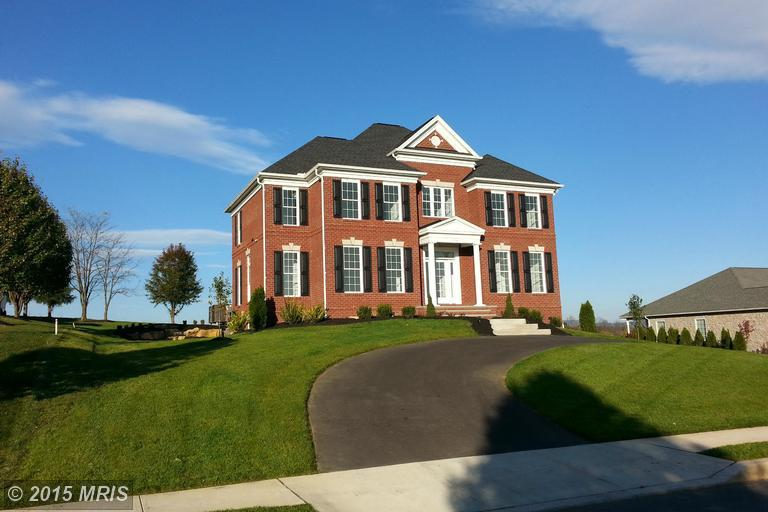 139 MOONLIGHT DR, Greencastle, PA 17225