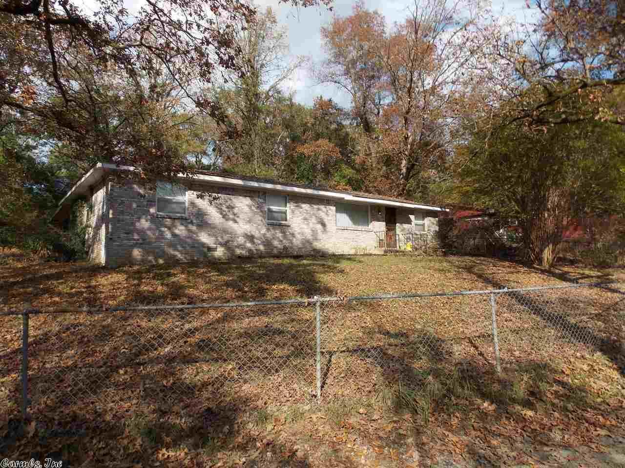 104 Edgewater Cir, Hot Springs, AR 71913