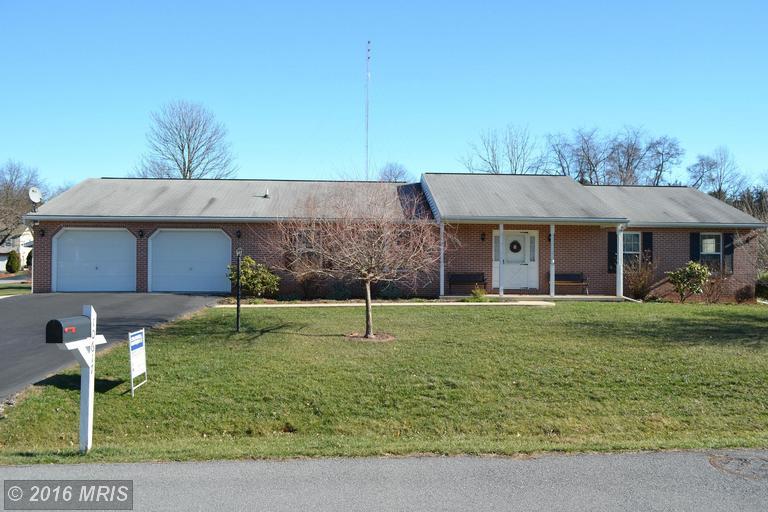 10617 GREENWICH DR, Williamsport, MD 21795