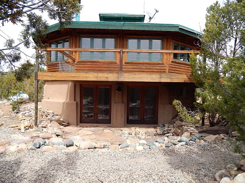 18 Midpine Drive, Rowe, New Mexico 87562