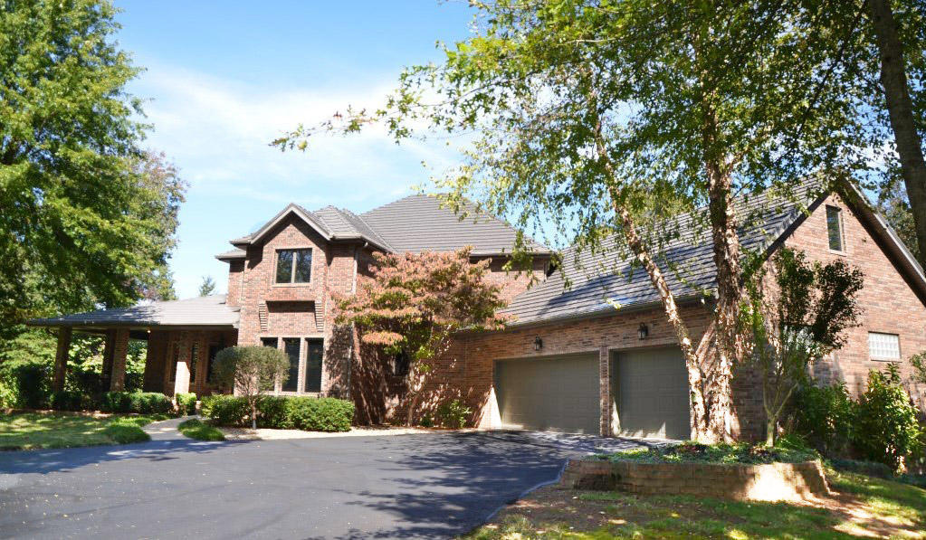4801 South Butterfield Place, Brookline, MO 65619