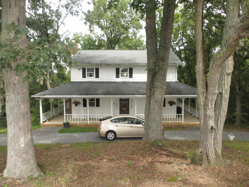 3442 Country Meadow Dr, Christiansburg, VA 24073