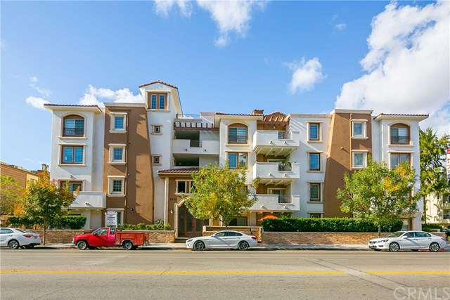 4551 Coldwater Canyon Avenue, Studio City, CA 91604