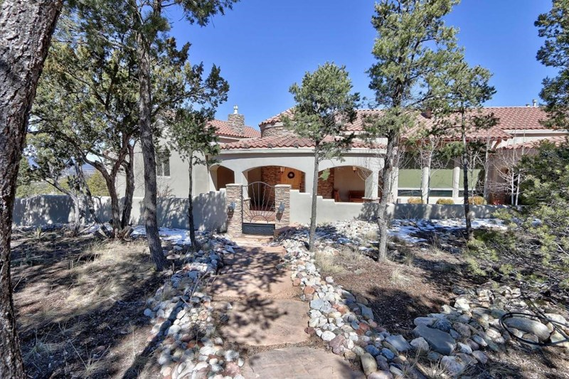 39 SOUTH MOUNTAIN Court, Tijeras, NM 87059