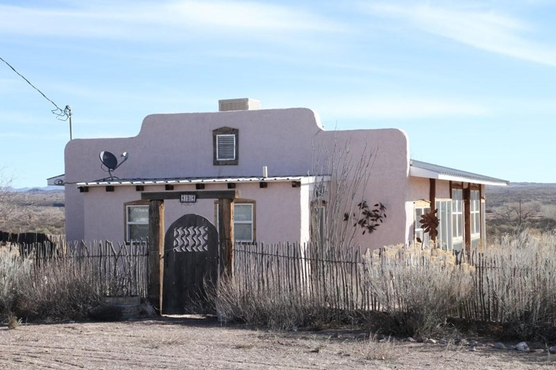 494 Frontage Road, Polvadera, NM 87828