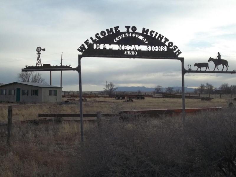 Hwy. 41, Mcintosh, NM 87032