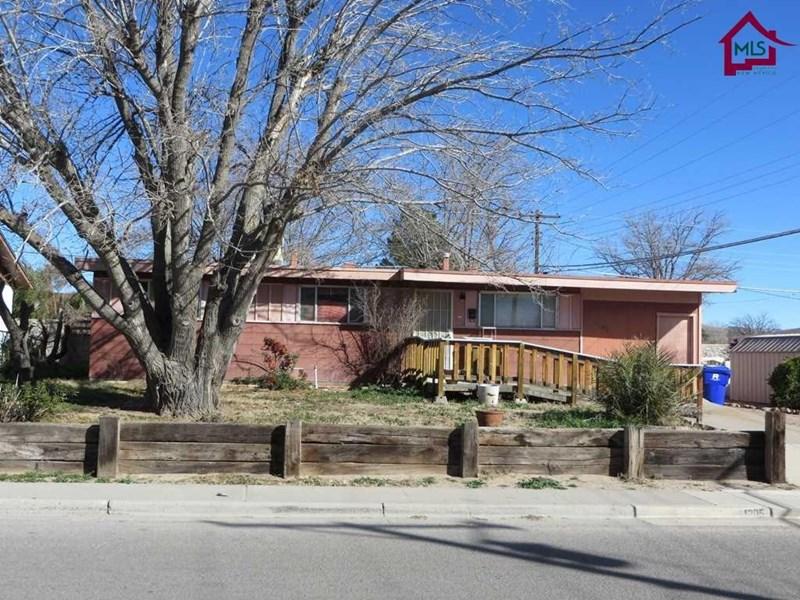 1205 STULL DRIVE, Las Cruces, NM 88001